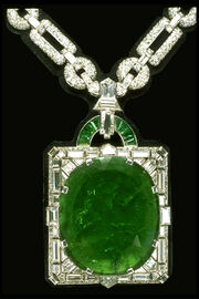 Mackay-emerald-necklace-smithsonian-institution