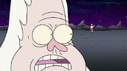 S8E19.072 Skips Seeing a Flying-Disc Freestyler