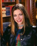 Emily Hart-chickipedia thumb 585x795