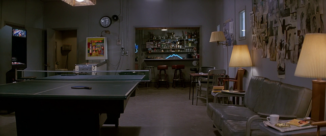 File:US Outpost 31 Rec Room - The Thing (1982).png