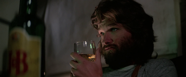 File:MacReady plays chess - The Thing (1982).png