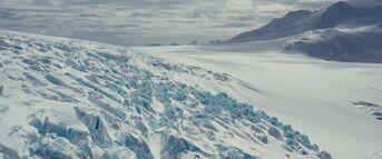 Antarctica establishing shot - The Thing (2011)