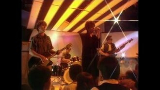 Echo And The Bunnymen - The Back Of Love (TOTP 1982-06-04)