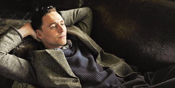 File:The-Deep-Blue-Sea-tom-hiddleston-24112129-610-307.jpg