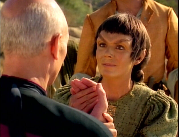 File:TNG3.04WhoWatchesTheWatchers.jpg
