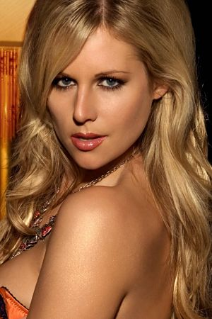 Abi Titmuss 1976 Movie And Tv Wiki Fandom Powered By