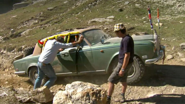 File:Top gear rolls stuck.jpg
