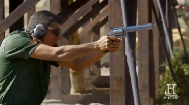 File:Dustin 500 Magnum.jpg