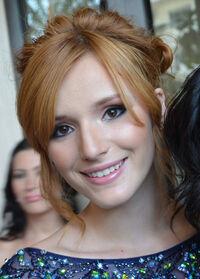 Bella Thorne.1