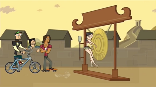File:China heather crashes into gong.png