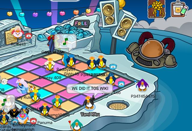 File:Clubpenguin on iceberg2.png