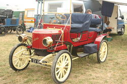 Stanley steam car at GDSF