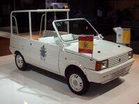 Seat Panda 1980-1985 Papamobil Madrid 1982 frontright 2008-03-28 A