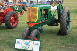 Oliver 70 Tricycle tractor - JAS 732 at Old Warden 09 - IMG 1412