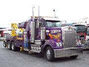 Heavy tow truck