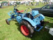 Garner tractor - reg no. 110 XUK at Holcot 08 - P8240028