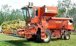 Co-op Implements Big Chief 44 combine