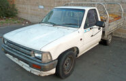 1988-1991 Toyota Hilux (RN85R) cab chassis 02