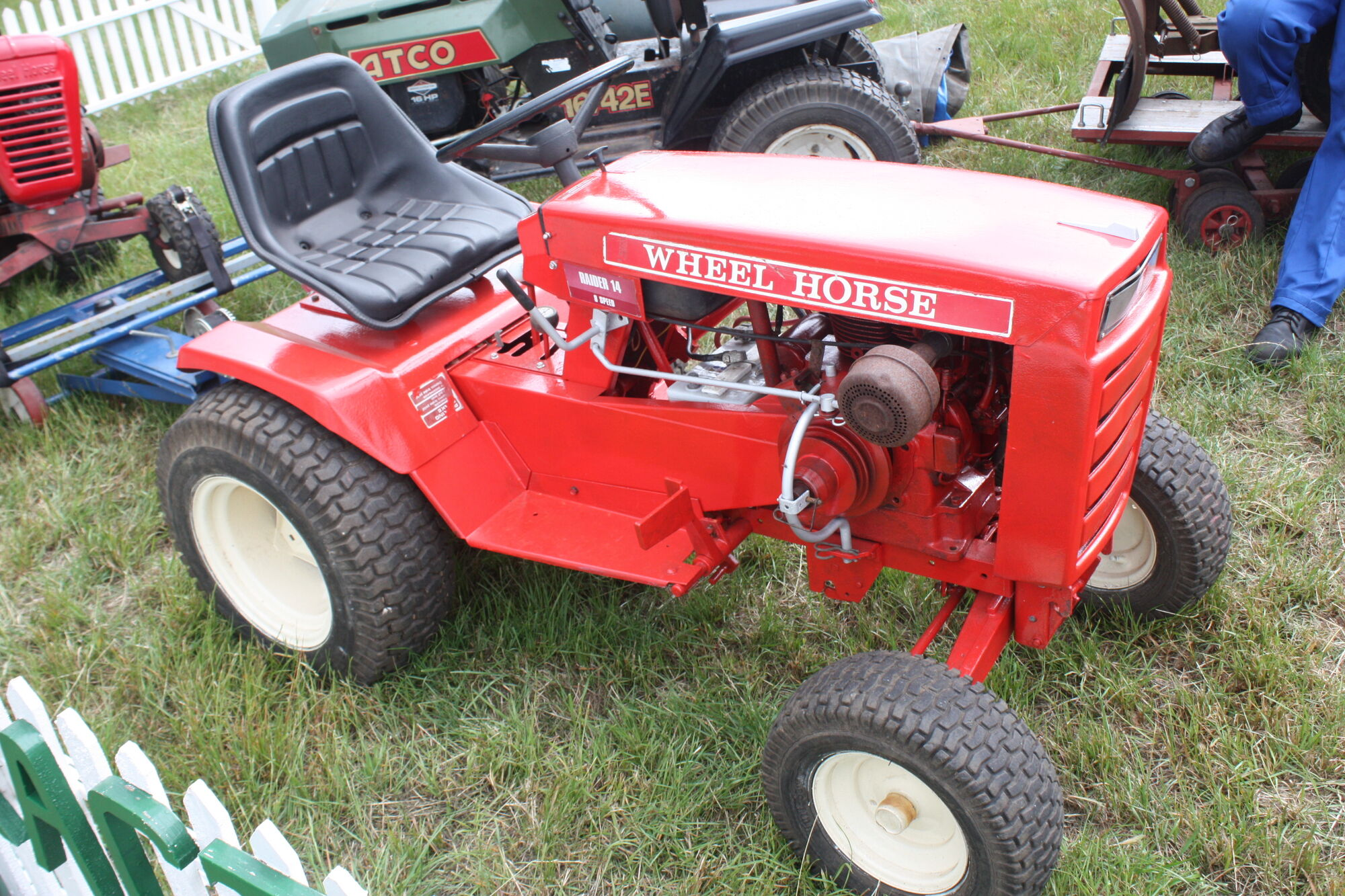 Wheel Horse Tractors : Wheel horse raider tractor construction plant wiki
