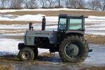White Field Boss 2-105 tractor