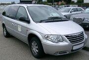 Chrysler Grand Voyager front 20070902