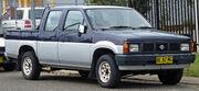 1990-1992 Nissan Navara (D21) 4-door utility 01