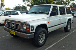 1995-1997 Nissan Patrol (GQ II) RX wagon 01