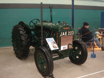Fordson F -JAE 223 at Bath sw - DSC01605