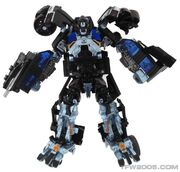 Tf(2010)-ironhide-toy-deluxe-1