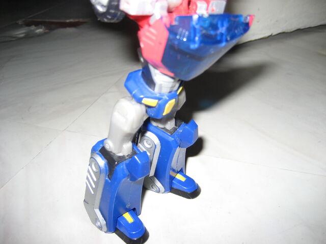 File:Optimus Prime Animated 2012 005.JPG