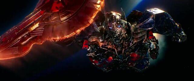 File:Transformers AOE 9423.jpg