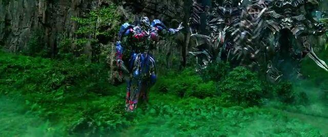 File:Transformers AOE 7963.jpg