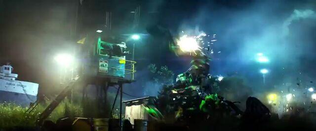 File:Transformers AOE 1097.jpg