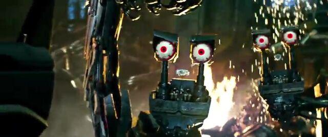 File:Transformers AOE 5113.jpg