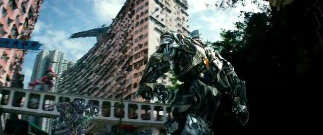 File:Transformers AOE 7434.jpg