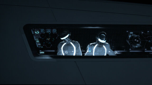 File:Daft-punk-in-tron-legacy.jpg