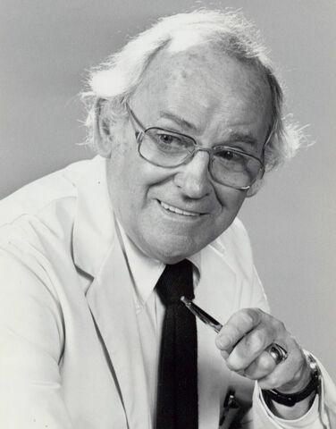 File:Barnard hughes doc 1975.jpg