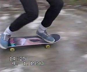 File:Skateboard.jpeg