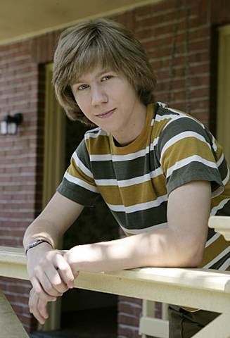 File:AaronNew.png