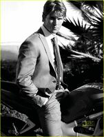 Ryan-kwanten-august-man-magazine-march-2010-05