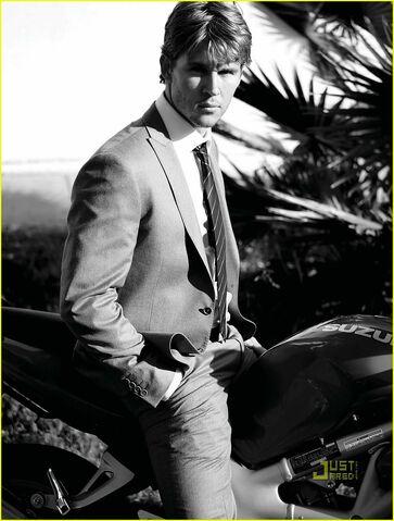 File:Ryan-kwanten-august-man-magazine-march-2010-05.jpg