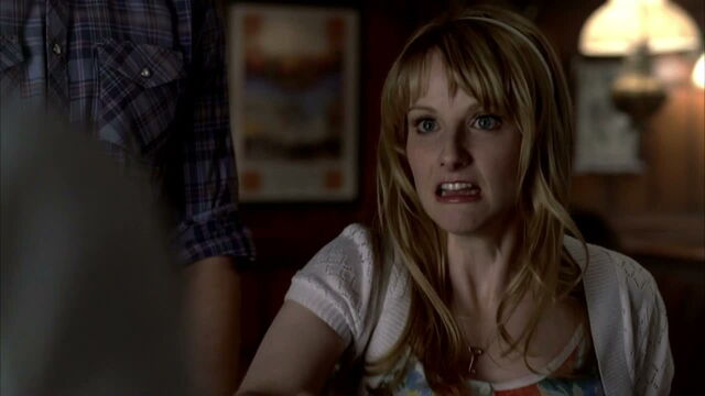 File:3x09 -summer reacts to jessica's fangs accidently popping out.jpg