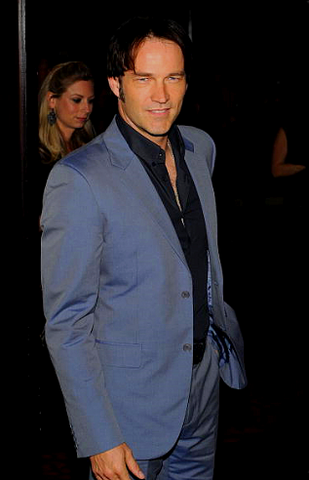 File:StephenMoyer12.png