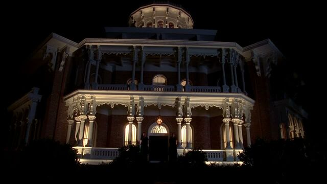 File:3x09 -russell edgington's mansion at night.jpg
