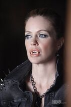 Pam-ravenscroft-and-nicolina-royale-black-swarvoski-rocker-chain-gallery