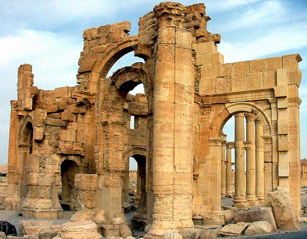 File:Roman ruins palmyra syria photo gov.jpg