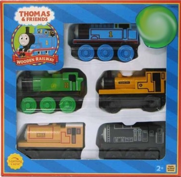 File:WoodenRailway5CarEnginePack.png