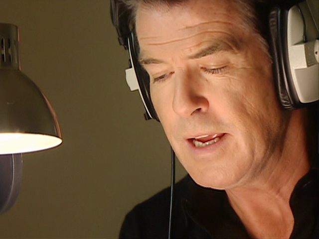 File:BehindtheSceneswithPierceBrosnan16.png