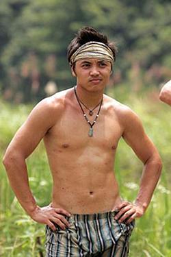 Kait S35 contestant