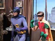 Batman (1966) 1x01 001